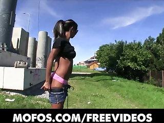 Public Pickups - HOT ebony babe Isabella trades sex for cash