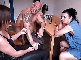 Piping hot get hitched Natalie Hot fucks in a threesome within reach the living room table