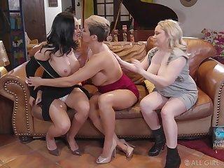 Milfs have a wild lesbian threesome at book club