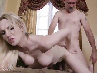 TS Kayleigh enjoys sucking dudes bigcock