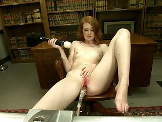 Sex machine and strong cum are the favorite things of Nathalie Lawson