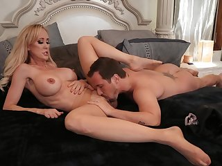 Young man pleases busty mature with crazy fucking