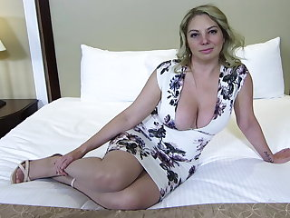 Big ass and titties blonde MILF