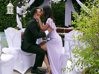 Outdoor sex on her wedding day